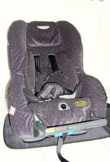 Price reduced Sale-Britax Safe-n-Sound Royale Car Seat • Singapore