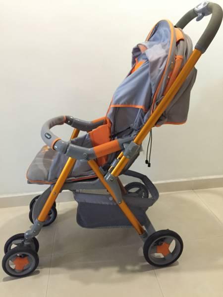 Combi stroller for sale • Singapore Classifieds