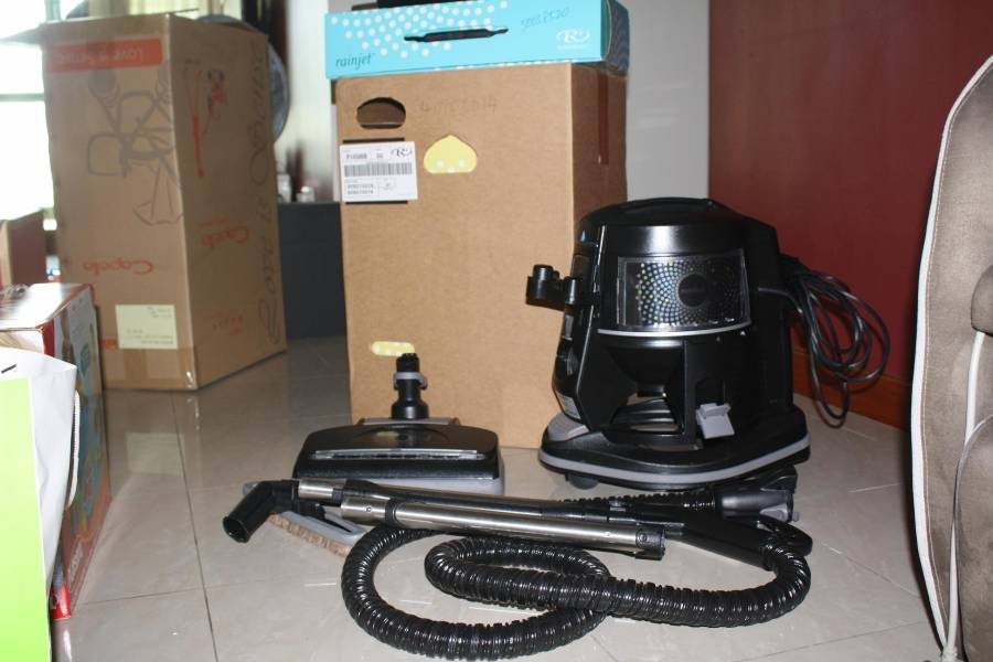 Recently Bought Mar 2017 Purchase Price 3500 8 Years Warranty Rainbow Vaccuum Bed Cleaner Air Purifier Mopper Etc