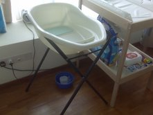 baby bathtub stand singapore classifieds. Black Bedroom Furniture Sets. Home Design Ideas