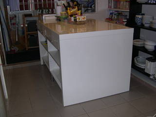 Kitchen Island For Ikea Giman High Gloss White Foil Finish In Very Good Condition As Only Used A Of Months Original Cost Sgd700
