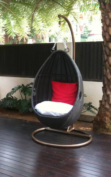 Made Of Powder Coated Metal And Highly Durable Synthetic Pe Polyethylene Rattan A Bug Free Alternative To Natural This Material Is Modern Yet