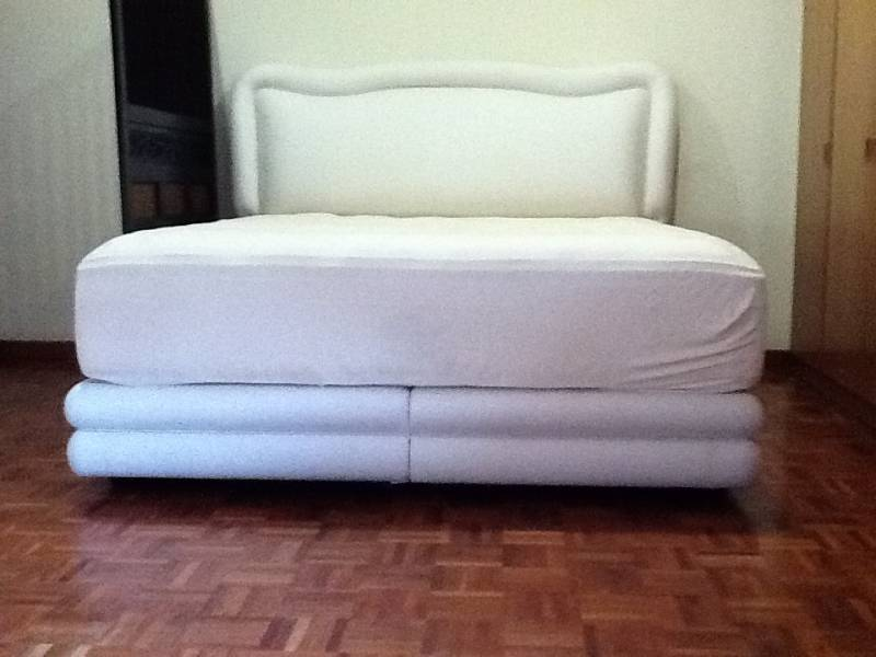 King Koil mattress with the Bed Frame & Osim uMedic Massage Chair ...