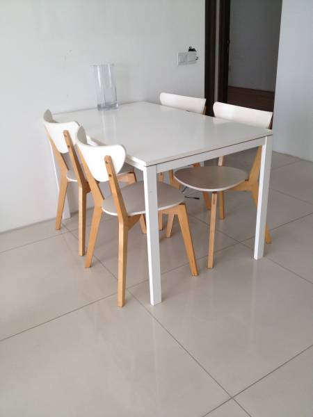 Chic white dining table with 4 chairs for sale for White dining table and chairs for sale