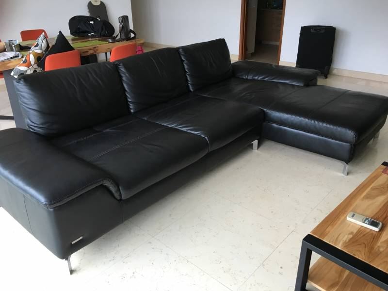 Only One Year Old Italian Leather Sofa Lucano 1800 X 3600 With Shift Able Back Rests You Can Make It A Large Bed No Scratches Or Any Other Traces Of
