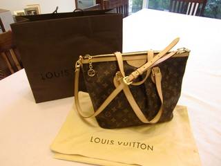 Louis Vuitton Palermo Pm Bag In Excellent Condition Used Only A Few Times Comes With Dust And Original Receipt I Bought The At Lv