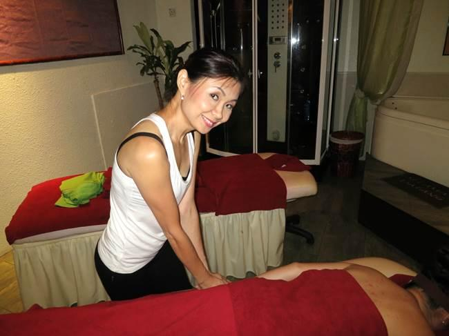 Aromatherapy Massage - For Ladies Only  Singapore Classifieds-2302